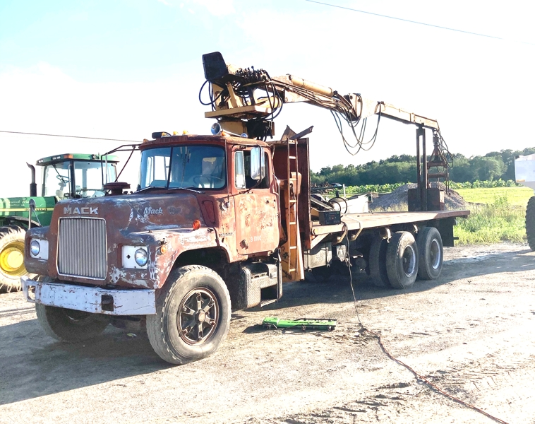 CAB, CHASSIS, AND LOG BODY